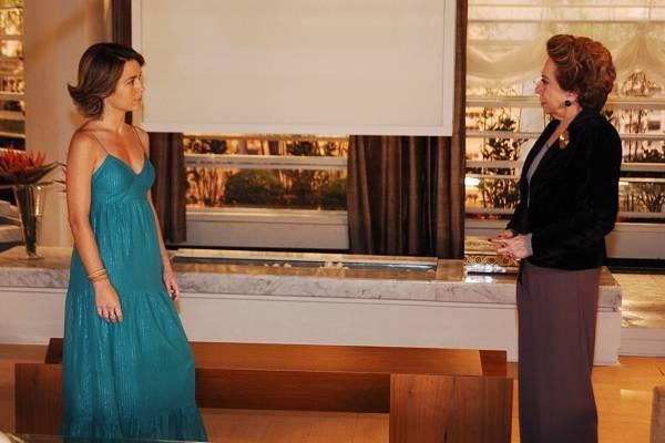 3 - Os vestidos longos de Vitória, em Belíssima