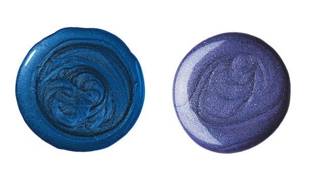 Hits da estação: Assim como nas sombras, o acabamento dos esmaltes deste inverno é o metálico (No alto, Azul Aviador da Impala e acima, Isabeli da Risqué)