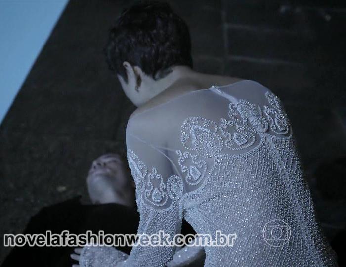 NFW - Sophie Charlotte - vestido Duda - O Rebu - costas