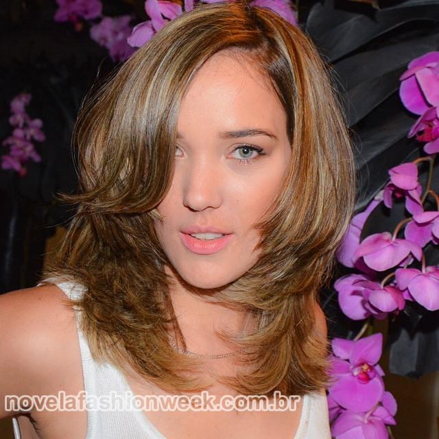 NFW - Adriana Birolli novo cabelo - loira