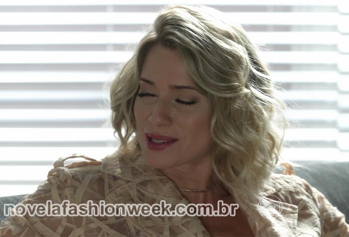 soraya trenchcoat nude novela leticia spiller
